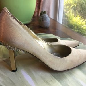 ST.JOHN MADE IN ITALY GOLD SHIMMER PUMPS SIZE 9B